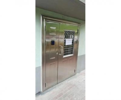 瓦房店正规不锈钢门